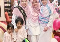 Kisah Wanita yang mendapat income 4 angka : Puan Izaty, pertama dari kiri.