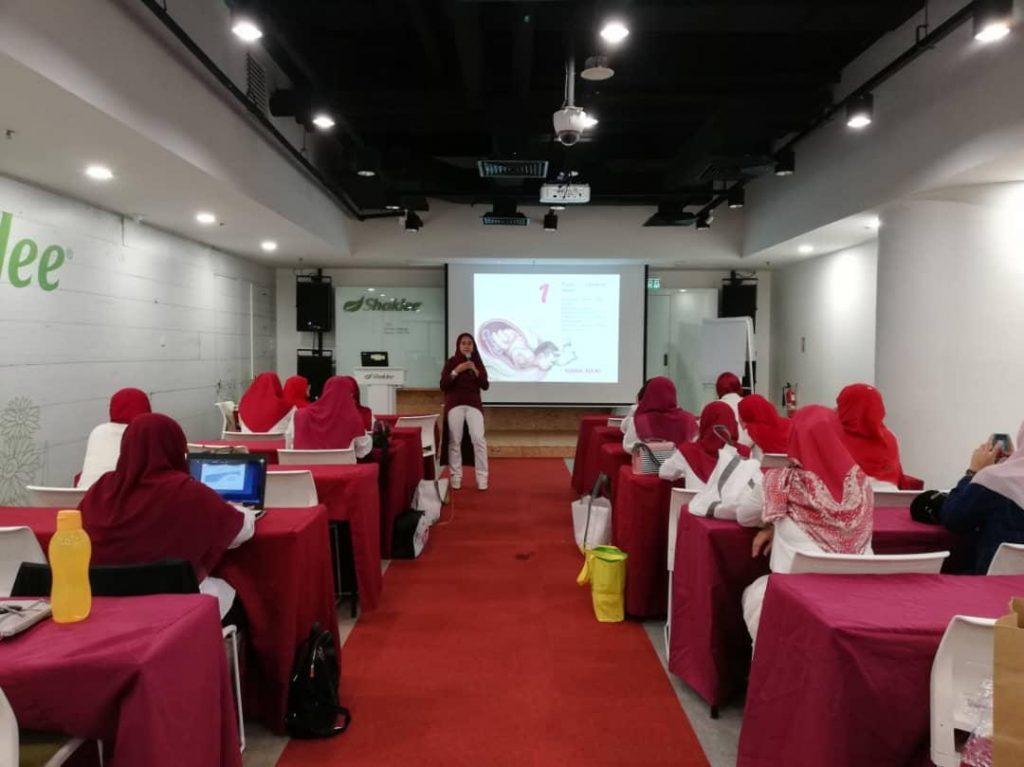 Kelas Nutrisi Postnatal oleh Nutritionist Puan Sarah.